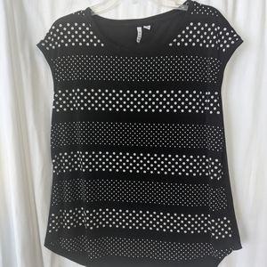 ELLE black and white polka dot pattern. Size L